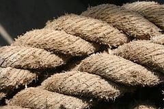 Pedaços de Corda - por clearlyambiguous - flickr