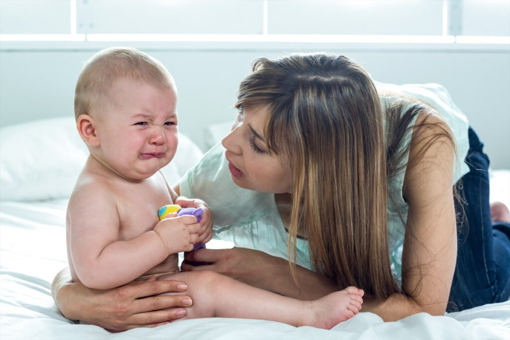 """Resultado de imagem para bebê chorando unha"""""""
